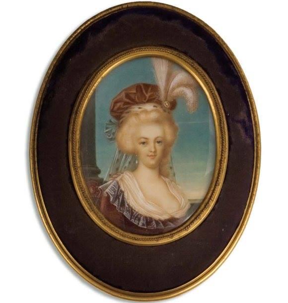 Marie-Antoinette en robe rouge sans ses enfants Chasse13