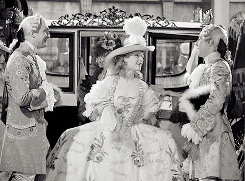 Marie Antoinette avec Norma Shearer (Van Dyke) - Page 8 F9561210