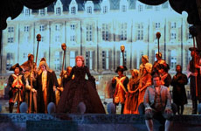 """The Ghosts Of Versailles"", opéra de John Corigliano Tn_20110"