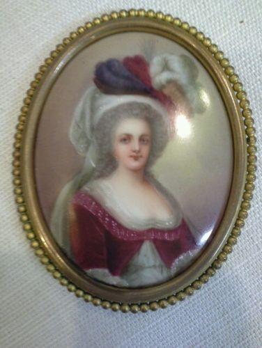 A vendre: miniatures de Marie Antoinette et de ses proches - Page 4 Zalecs15
