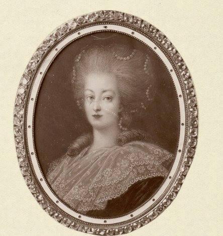 Marie Antoinette, portraits d'après Elisabeth Vigée Lebrun  - Page 3 Zfers11