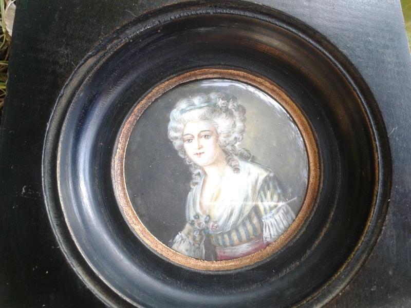 A vendre: miniatures de Marie Antoinette et de ses proches - Page 4 Zzz17