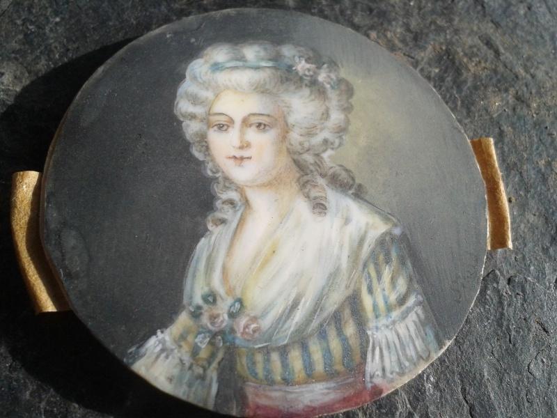 A vendre: miniatures de Marie Antoinette et de ses proches - Page 4 Zzz18