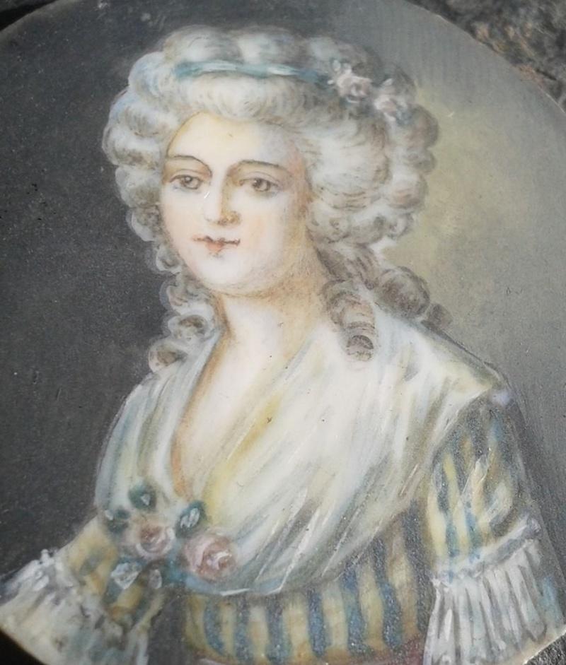 A vendre: miniatures de Marie Antoinette et de ses proches - Page 4 Zzz19