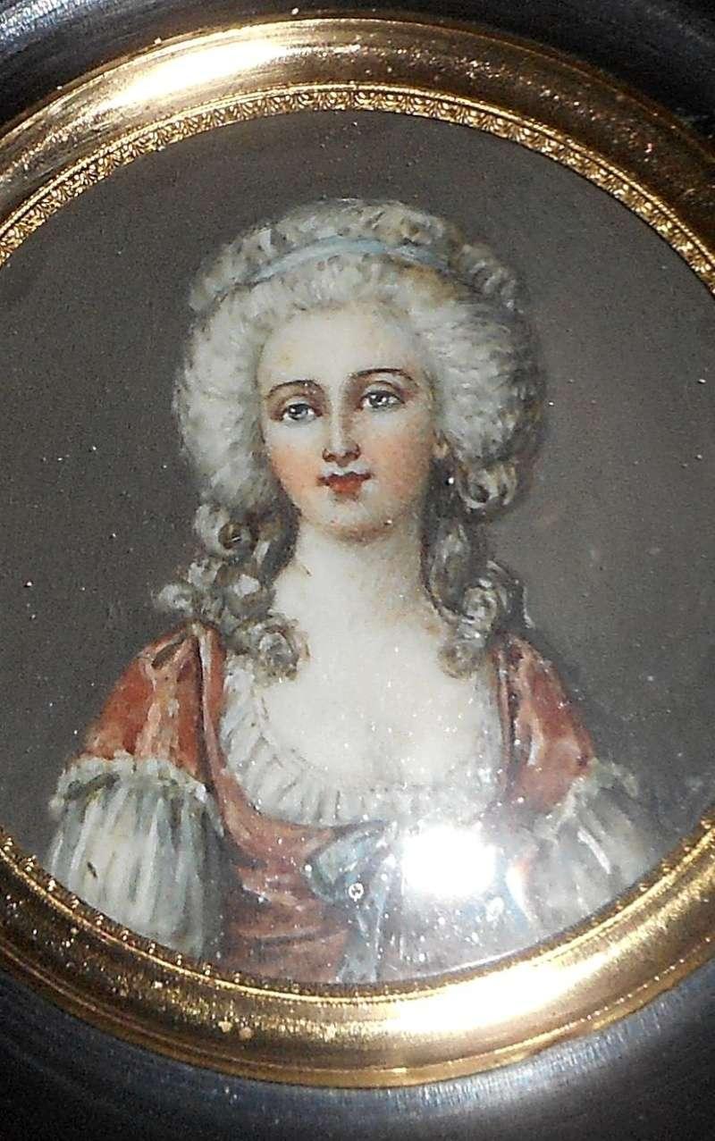 A vendre: miniatures de Marie Antoinette et de ses proches - Page 4 Zzzzz10