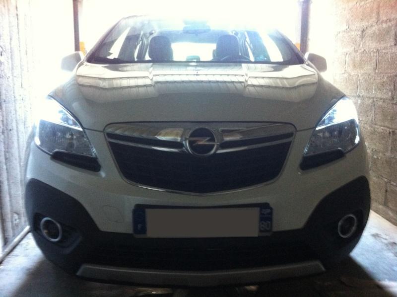 Montage ampoules LED 21/5 W feux de jour Opel Mokka Img_0511