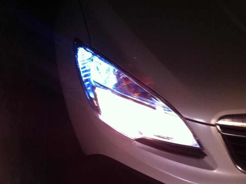 Montage ampoules LED 21/5 W feux de jour Opel Mokka Img_0610