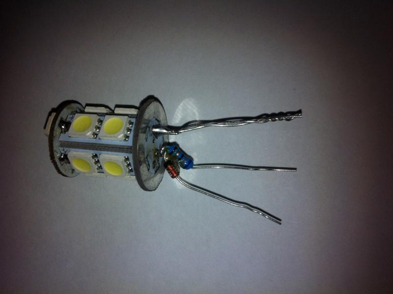 Montage ampoules LED 21/5 W feux de jour Opel Mokka Img_0612