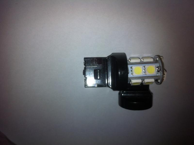 Montage ampoules LED 21/5 W feux de jour Opel Mokka Img_0616