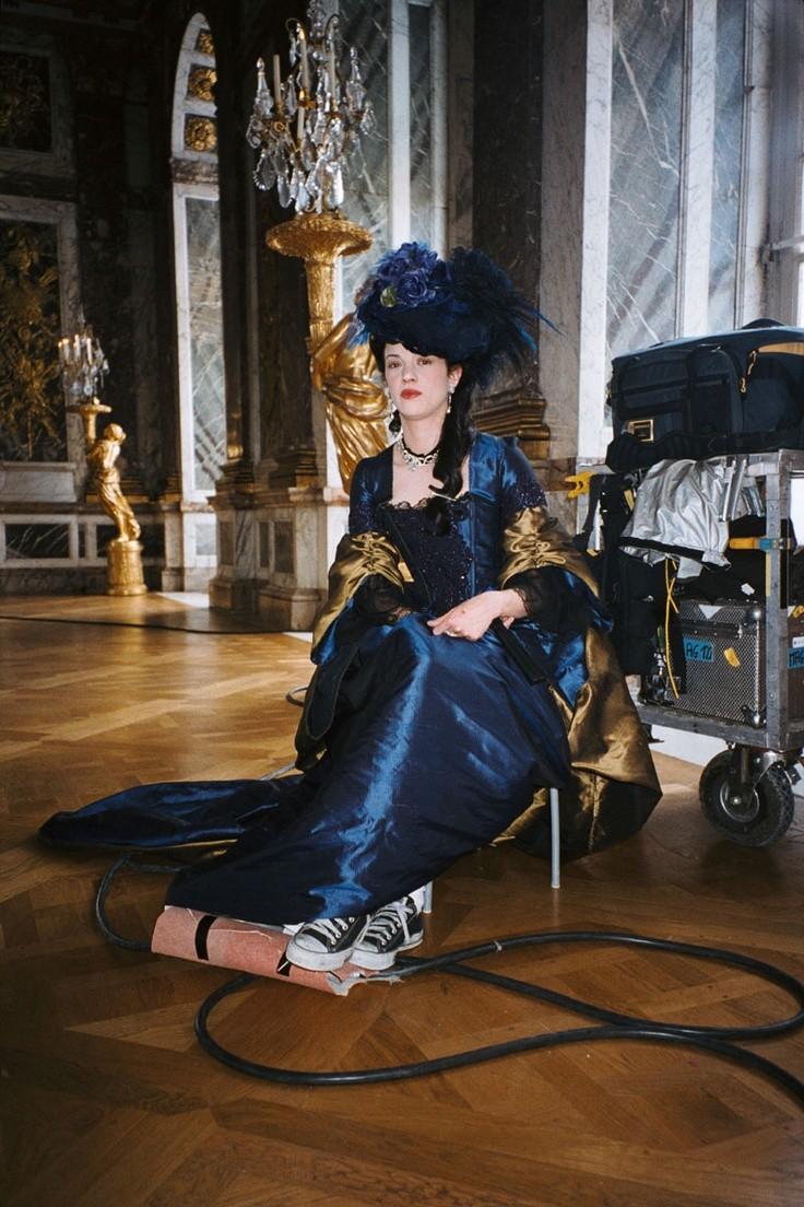 Films sur Marie-Antoinette : anachronismes et photos de tournage - Page 3 749acc10