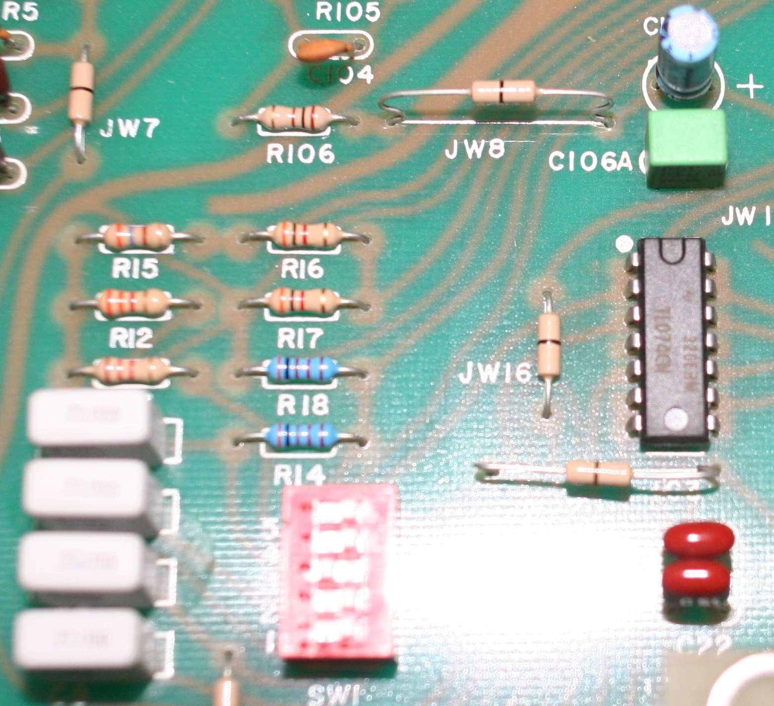Filtre actif JBL/UREI 5235 5235_e12
