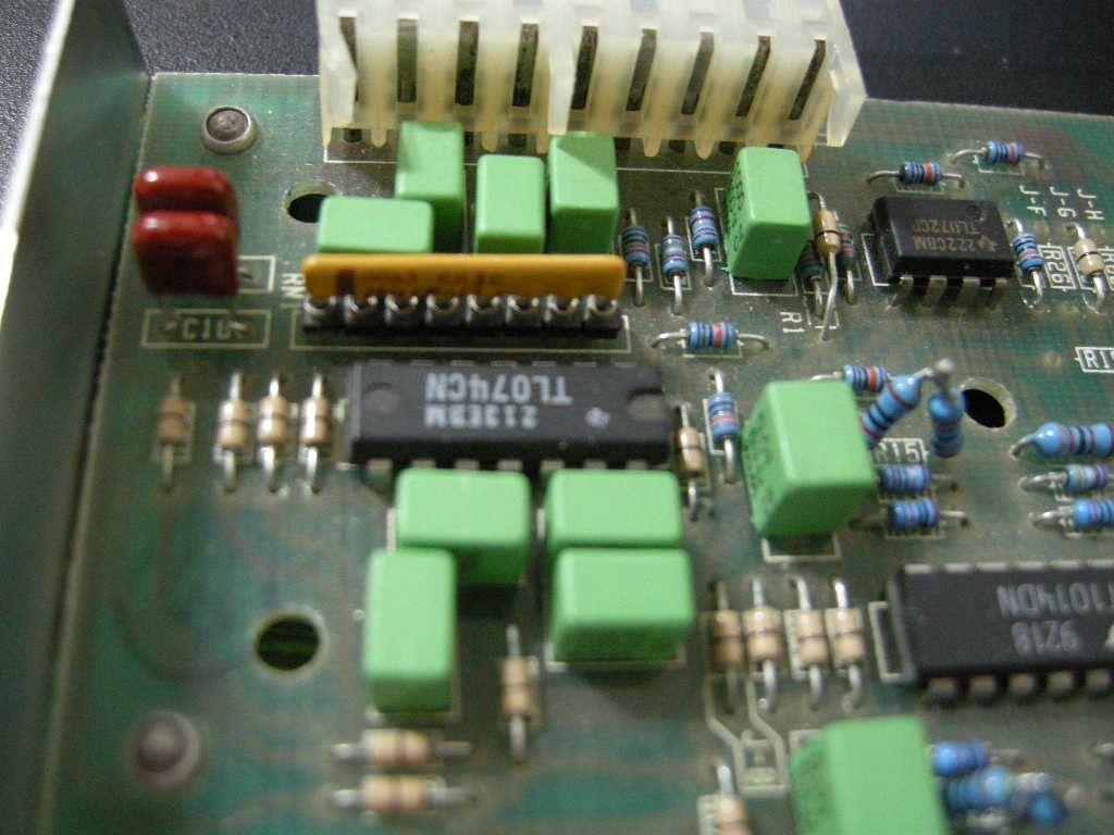 Filtre actif JBL/UREI 5235 - Page 3 53-53311