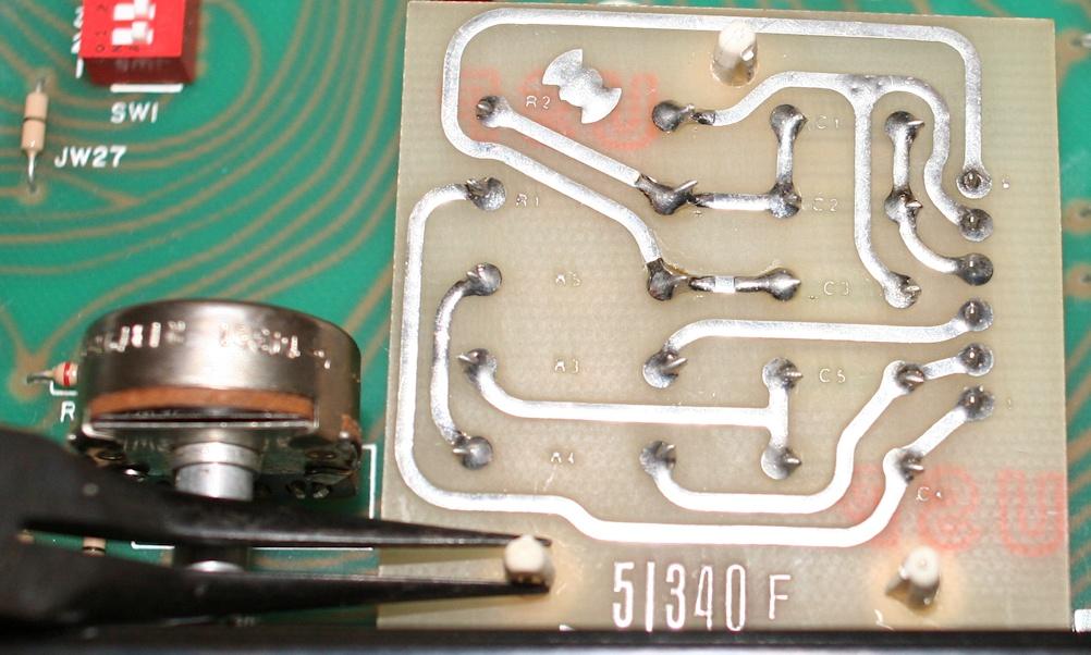 Filtre actif JBL/UREI 5235 Dymont10