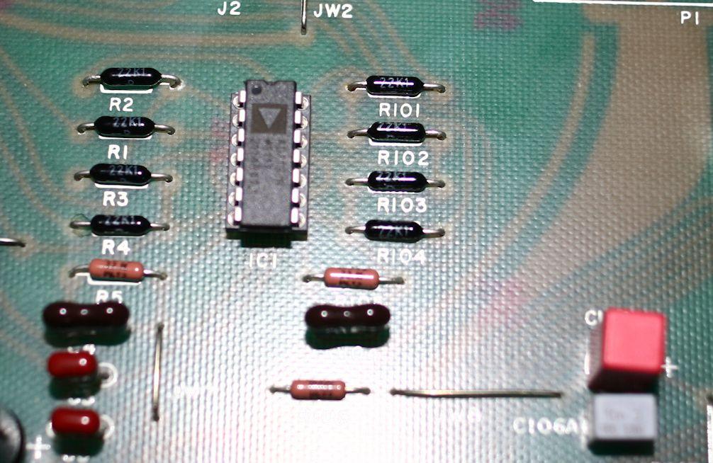 Filtre actif JBL/UREI 5235 - Page 3 Entrye10