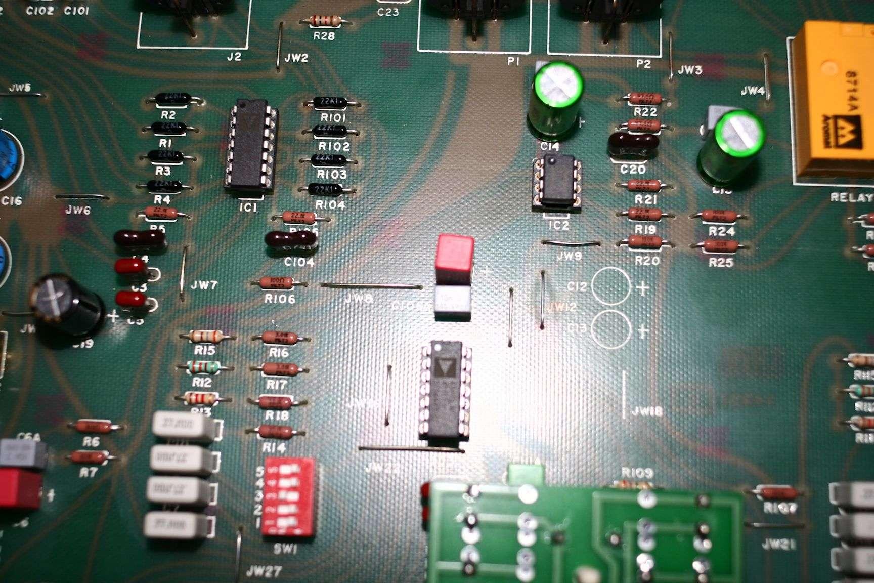 Filtre actif JBL/UREI 5235 - Page 3 Tweaks10