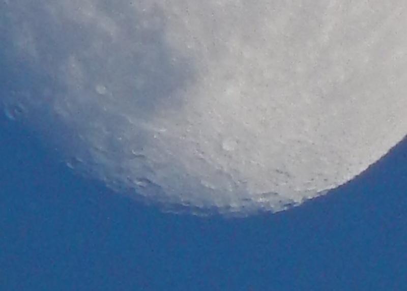 Lune croissante (et non ascendante) Dscn0111