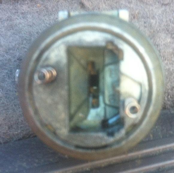 serrure portière droite bloquée 00311