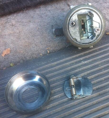 serrure portière droite bloquée 00411