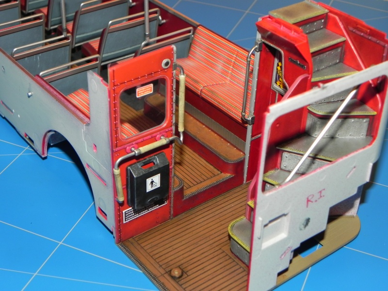 AEC Routemaster London double decker bus 1/24 Revell terminus tout le monde descend! - Page 2 Dscn0118