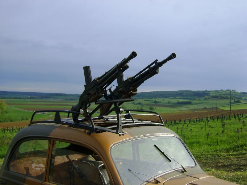 Les jumelages pour FM 24/29 (dit de la 2ème armée) et pour FM Chauchat (Mle 1915 CSRG) Dsc01210