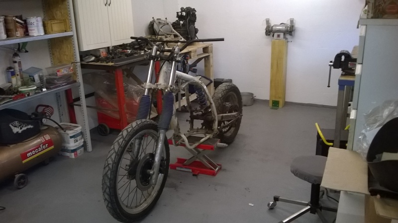 XL600RM tracker/brat Wp_20112