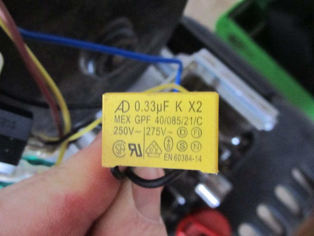 [broyeur en panne] besoin d'aide en électricité [résolu] Circui12