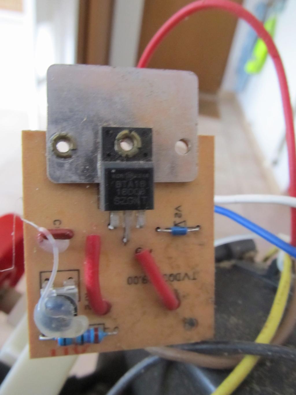 [broyeur en panne] besoin d'aide en électricité [résolu] Circui14