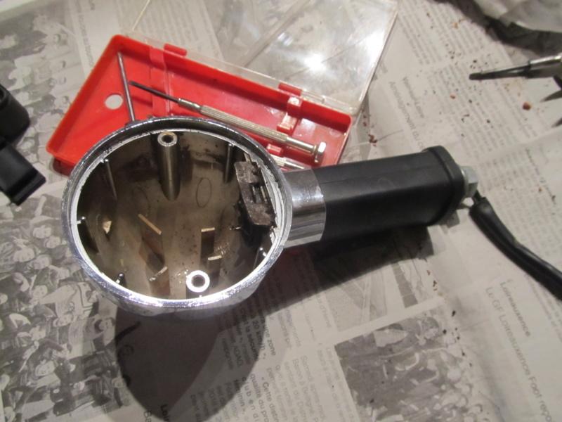 Clignotant soudé par la rouille sur Zéphyr 750 Cligno10