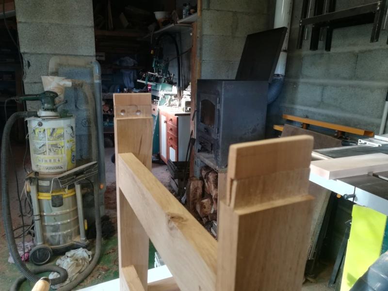 Réparation d'une chaise (attention images pouvant heurter les professionnels sensibles!) Img_2127