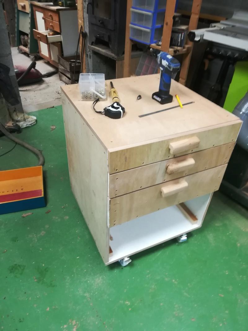 Un meuble roulant dans le grand style Louis CP Img_2154