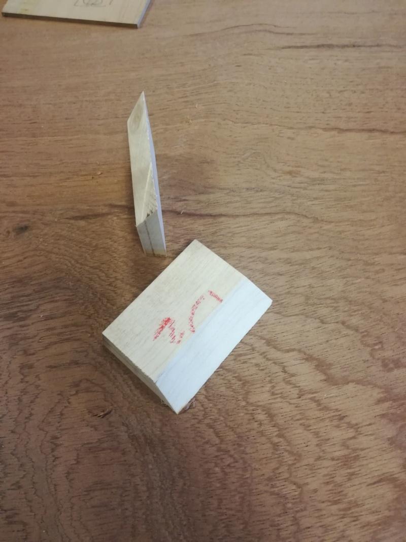 Une table en kossipo avec raidisseurs en QA gainées - Page 3 Img_2680