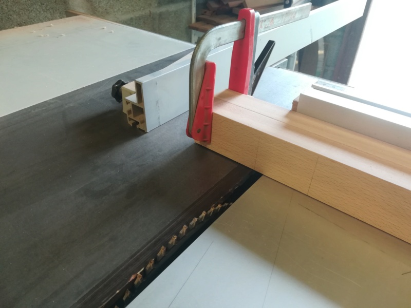 Table basse flottante en hêtre Img_2747