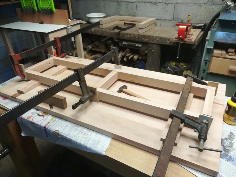 Table basse flottante en hêtre Img_2748