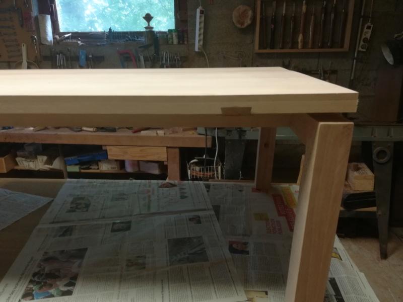 Table basse flottante en hêtre Img_2751