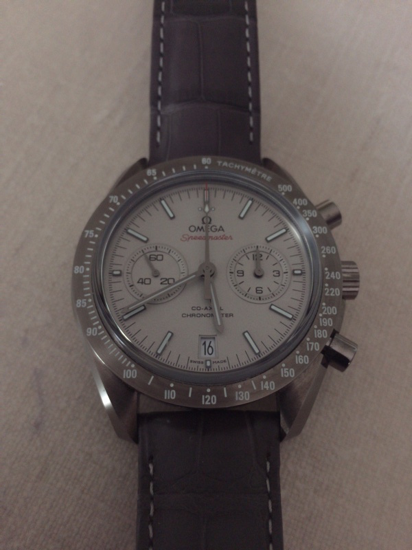 Une montre avec boîtier en céramique ? 2015-013