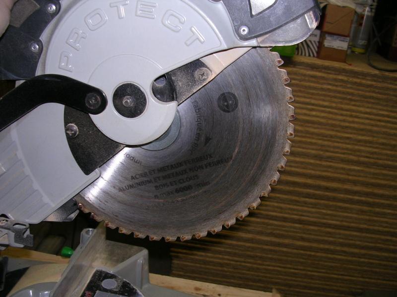 Scier du rond alu avec une scie radiale ? Dscn1310