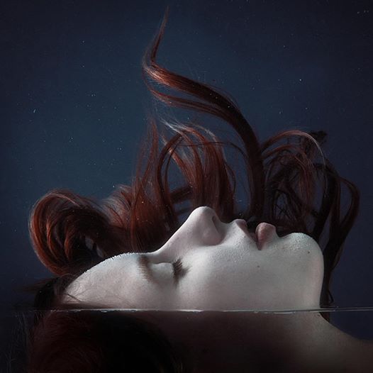 Image inspiratrice (mars 2015) : Under the water Femme_10