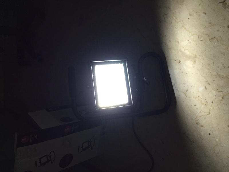 Illuminazione: come fare quando non si possono avere fari e cavalletti? - Pagina 2 Foto_013