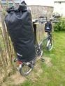 Fixer un sac à dos de rando sur le porte-bagage arrière d'un Brompton Brompt20