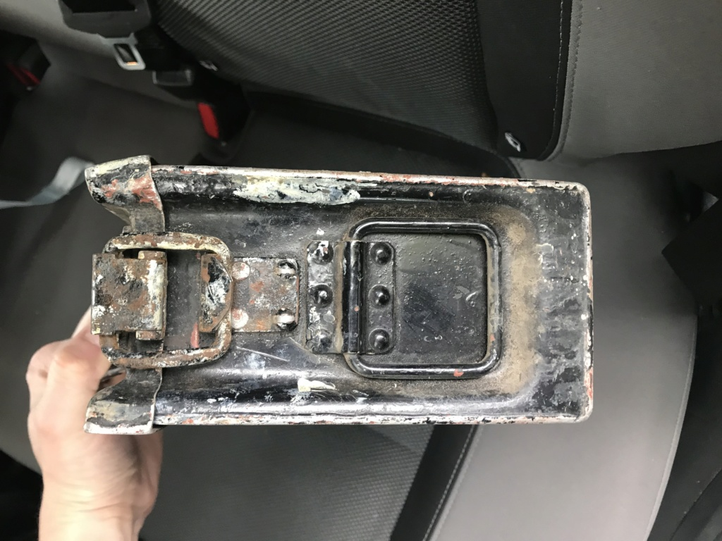 Petite trouvaille : caisse MG alu 1495c610