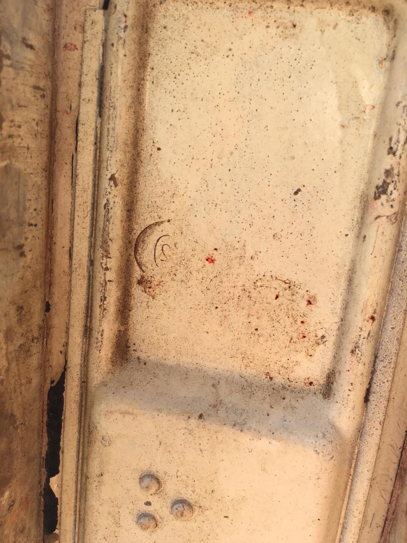 Une caisse de munition mg allemande croix rouge. 1998ae10