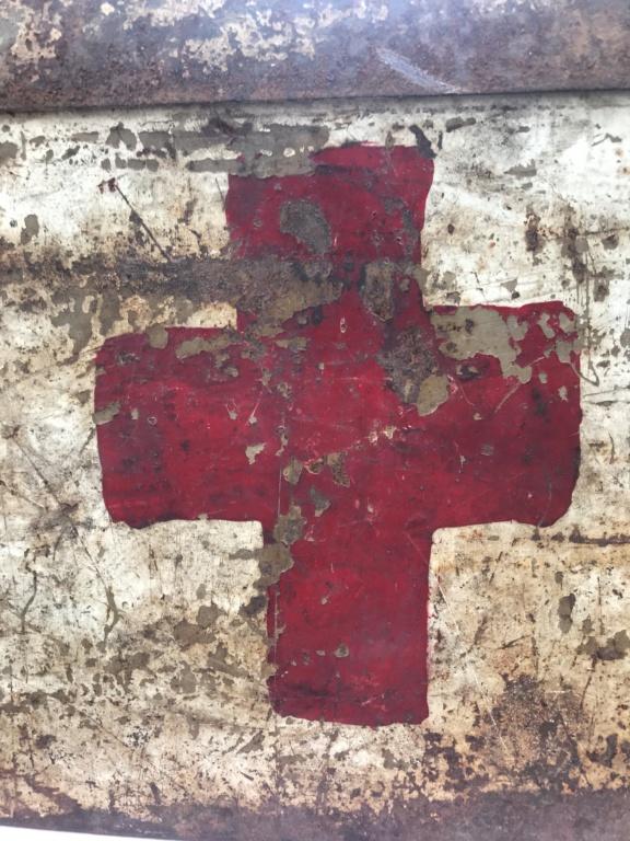 Une caisse de munition mg allemande croix rouge. 3a509510