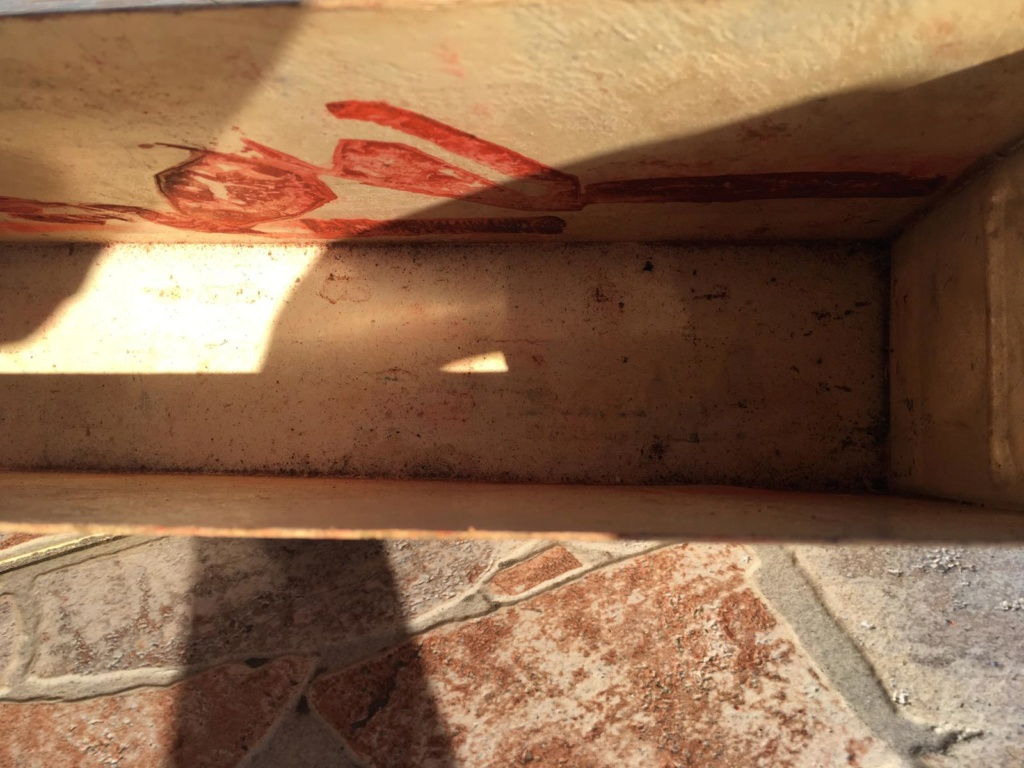 Une caisse de munition mg allemande croix rouge. 48536e10
