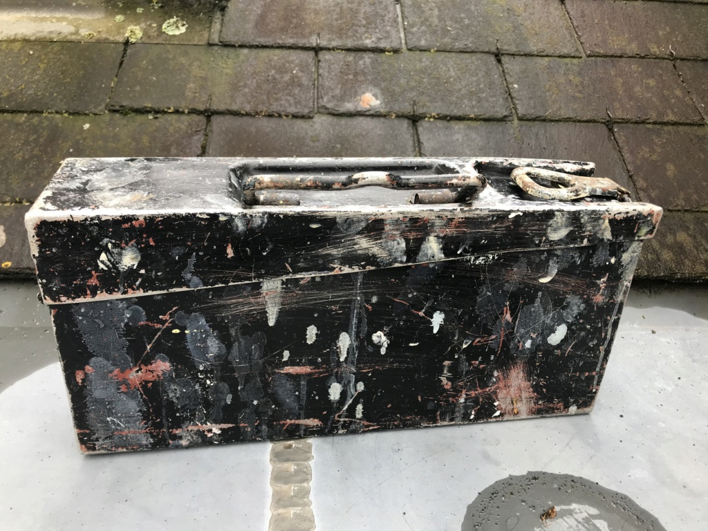 Petite trouvaille : caisse MG alu 59021510