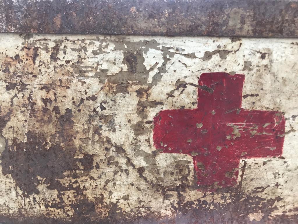Une caisse de munition mg allemande croix rouge. 6d0daa10