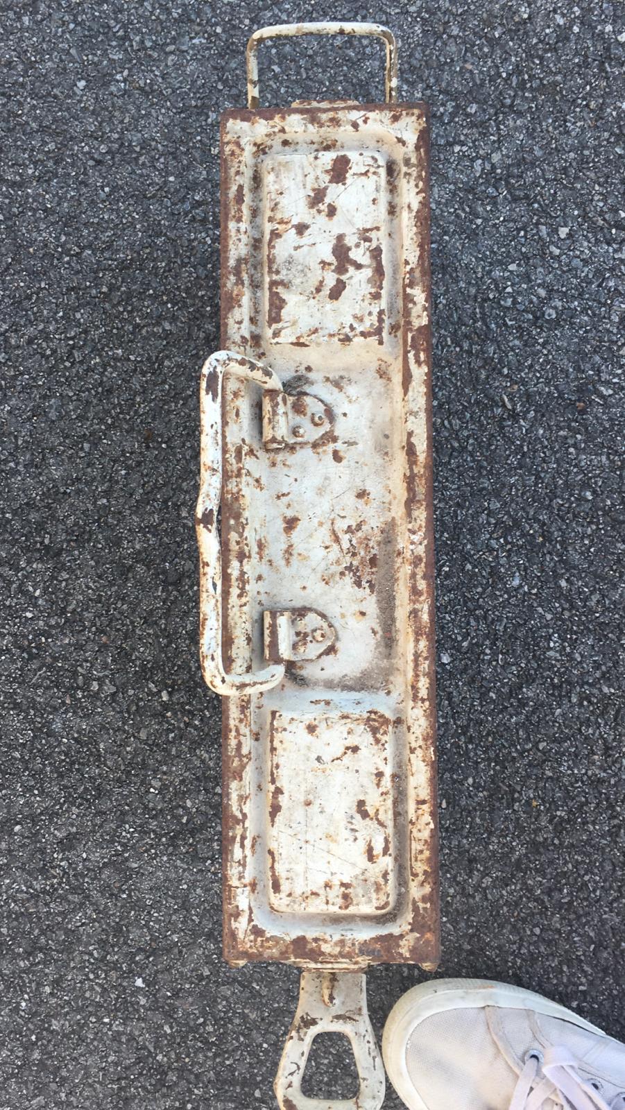 Une caisse de munition mg allemande croix rouge. Af2d8110