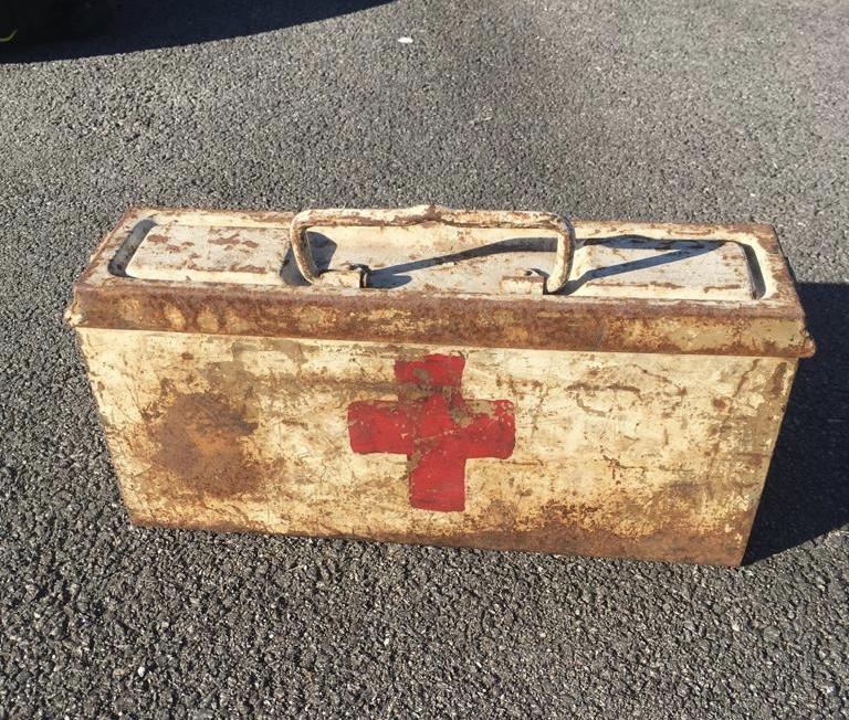 Une caisse de munition mg allemande croix rouge. B1204510