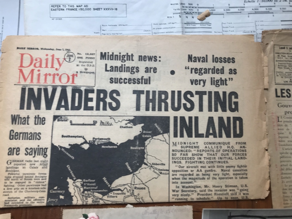Des papiers indo et ww2 : photo oflag, carte Colmar et indo, journaux DDay. C87d1310