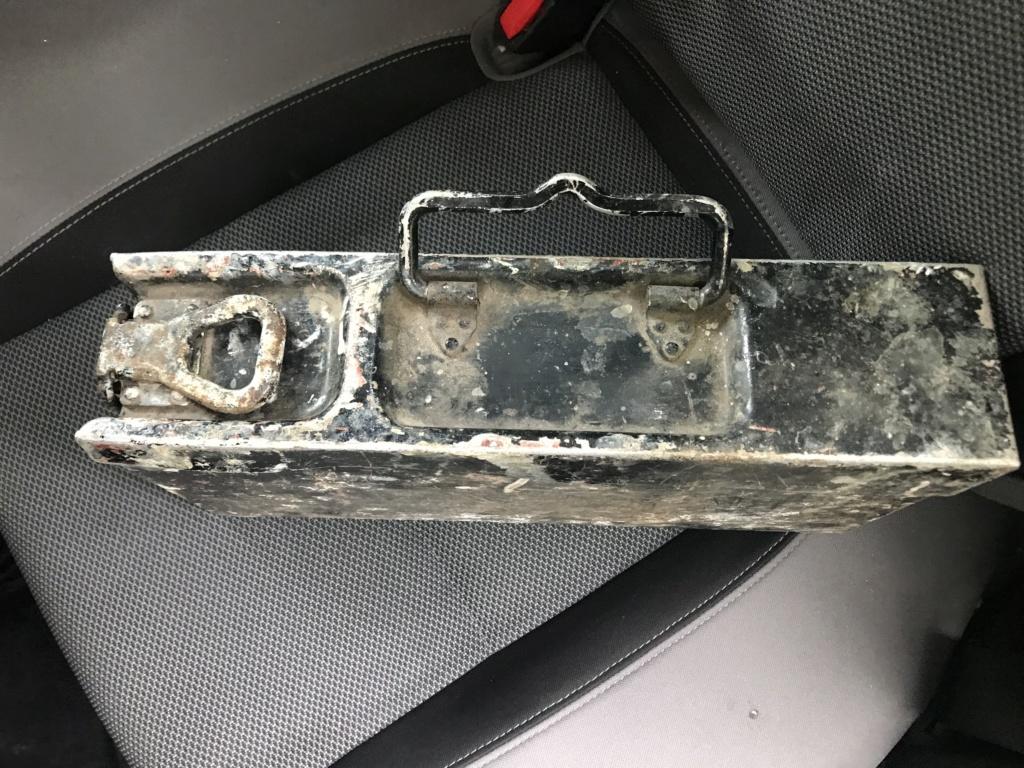 Petite trouvaille : caisse MG alu D3474710
