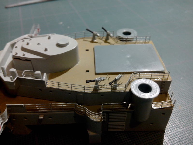 Bismarck par HellCat76 1/350 Academy, kit eduard - Page 4 Img_2011